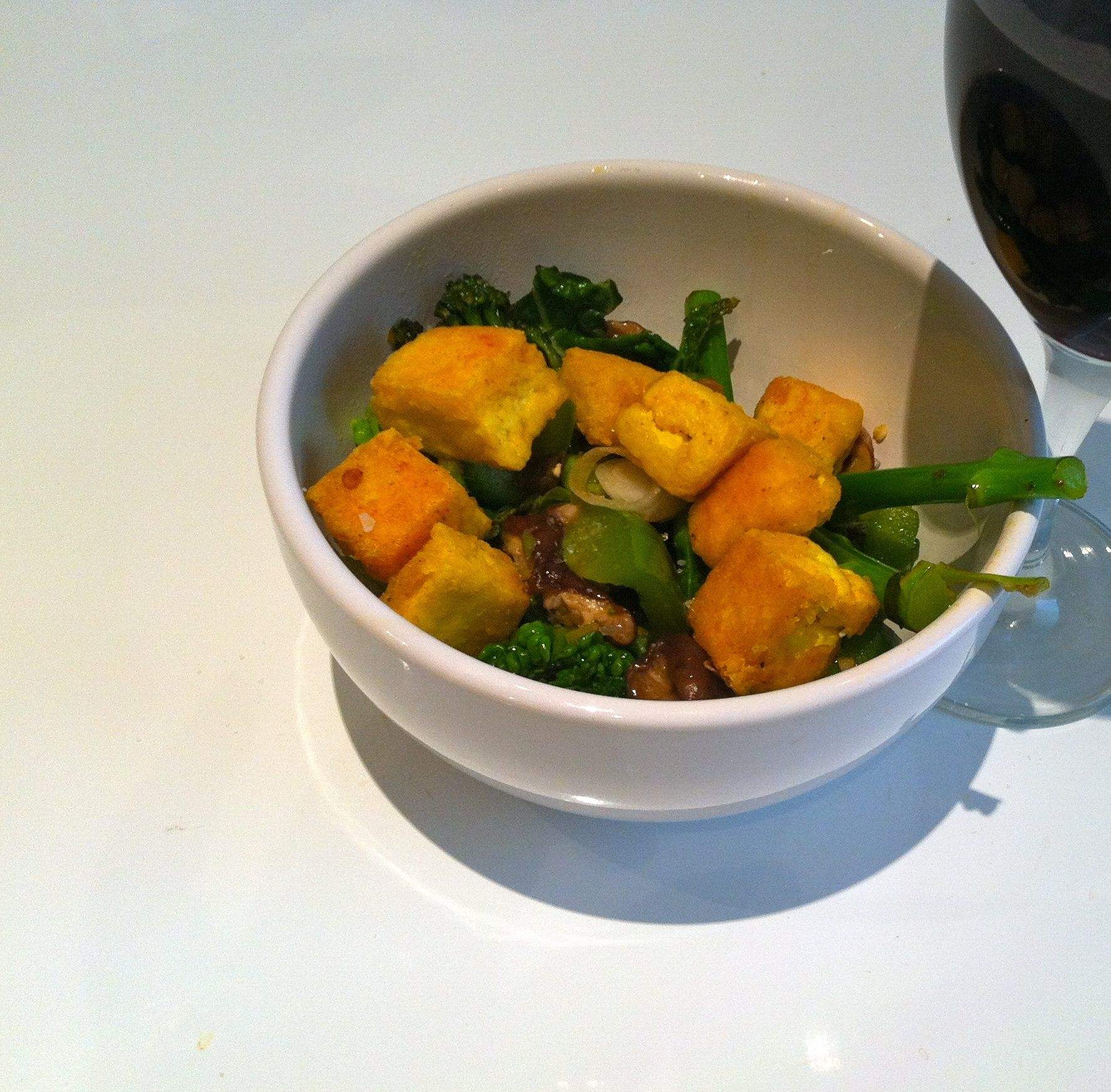 Golden Crispy Tofu with Spicy Green Vegetables http://carrotsandclaret.com/golden-crispy-tofu-with-spicy-green-vegetables/